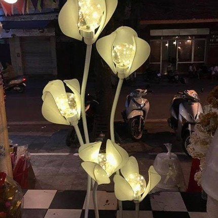 Đèn cây trang trí đám cưới hình hoa Mộc lan