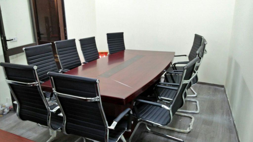 Mẫu bàn họp tròn trẻ trung, năng động của nội thất Lương Sơn